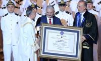 Yıldırım'dan diploma esprisi: Bu kaybolmaz herhalde