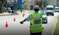 Bu uygulama bir ilk, polis sürücüleri durdurdu...