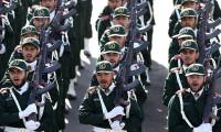 Devrim Muhafızları'ndan Ruhani'ye füzeli gözdağı