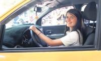 'Şoför Fatma' müşterilerin göz bebeği