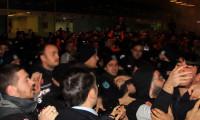 Polis ile Başakşehir taraftarı arasında arbede