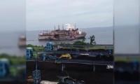 Endonezya'da enerji gemisinde patlama