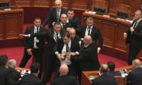 Meclis'te Başbakan'a yumurtalı saldırı!