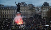 Fransa'da ağır bilanço: 43 bin kişi işsiz kaldı