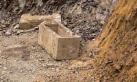 Kadıköy'de inşaatın temel kazısında 2 bin yıllık lahit bulundu