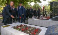 Bakan Çavuşoğlu ve büyükelçiler Anıtkabir'de