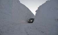 Hakkari'de kar kalınlığı 3 metreyi buldu