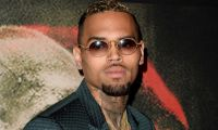Chris Brown serbest