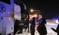 Karlı yolda feci kaza: Muavin kurtarılamadı