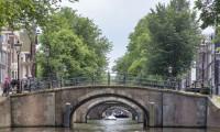 Amsterdam'da eskiyen köprü ve rıhtımlar için 2 milyar euro harcanacak
