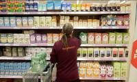İngiltere halkı Brexit öncesi gıda ve ilaç stoklamaya başladı