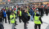 'Sarı yelekliler' şimdi de İsveç'te ayaklandı