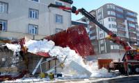 Kafenin teras katı çöktü: 1 ölü, 7 yaralı