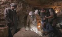2 bin 500 yıllık lahit canlı yayında açıldı