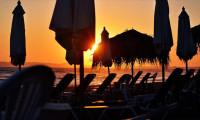 Bodrum'da halk plajlarında şezlonglar kaldırılıyor
