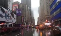 New York'ta bir helikopter gökdelene çarptı