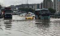 Pendik'te sağanak yağış