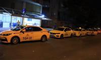 İstanbul'da taksimetre kuyruğu gece de sürdü