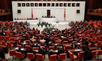 Tezkere'de fire veren partiler, milletvekilleri