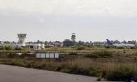 Trablus'ta havalimanına roket: Uçuşlar durdu