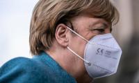 Merkel'in maskesi sahte Çin malıymış