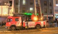 Laleli'de 9 katlı otelde yangın paniği