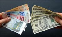 Dolar ve euroda gerileme sürüyor