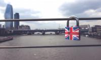 Anlaşmasız Brexit halinde İngiltere finansı küçülecek