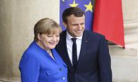 AB Zirvesi'nde Merkel, Macron'u ikna etti