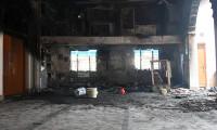 Hindu göstericiler camileri yaktı