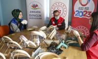 Gençlik merkezlerinde günlük 40 bin korumalı maske üretilecek