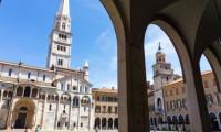 İtalya'da bir kasabada musluklardan su yerine şarap aktı