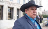 Güney Dakota Valisi ile yerliler arasında kontrol noktası krizi