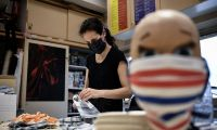 40 milyon maske üreticinin elinde kaldı