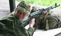 Rusya, Kovid-19 aşısını gönüllü askerler üzerinde test edecek