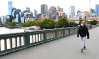 Melbourne'de bir aylık Kovid-19 yasakları başladı