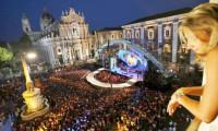 İtalya'da vakalar arttı kapanmalar başladı