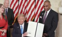 Trump banka soyguncusunu affetti
