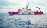 Sokak sanatçısı Banksy insani yardım gemisi satın aldı