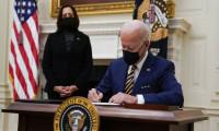 Biden'dan salgından etkilenenlere dair 2 kararname imzaladı