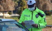 Kaldırımdan giderken yayaya korna çalıp yol isteyen taksiciye 864 lira ceza kesildi