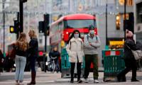 İngiltere'de kışın günlük vaka sayıları 100 bine ulaşabilir