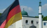 Köln'de cuma günleri hoparlörden ezan okumasına izin verildi