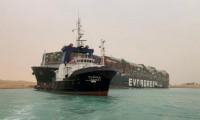 Süveyş Kanalında oluşan çekilme kurtarma çalışmalarını aksattı