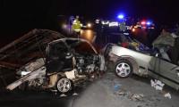 İki feci kaza: 2 ölü, 4 yaralı