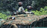 Hindistan, Çin sınırına en az 50 bin asker gönderdi