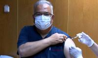 Sinovac gönüllüsü profesöre 3'üncü aşı yapıldı!