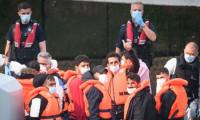 430 göçmen Manş Denizi'ni aştı, İngiltere karıştı