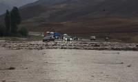 Van-Hakkari kara yolu sel nedeniyle kapandı!