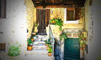 Bir euroya satın almıştı: 50 bin TL'ye İtalya'da ev yaptı!